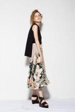【ボタニカル柄】は晩夏~秋ファッションにオススメ!30代レディースコーデ